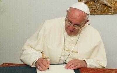 Carta Apostólica Traditionis Custodes do Papa Francisco e Carta aos Bispos