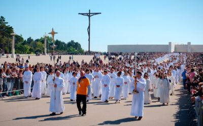 """Nota Pastoral da Conferência Episcopal Portuguesa """"A propósito dos 25 anos da Peregrinação Nacional dos Acólitos"""""""